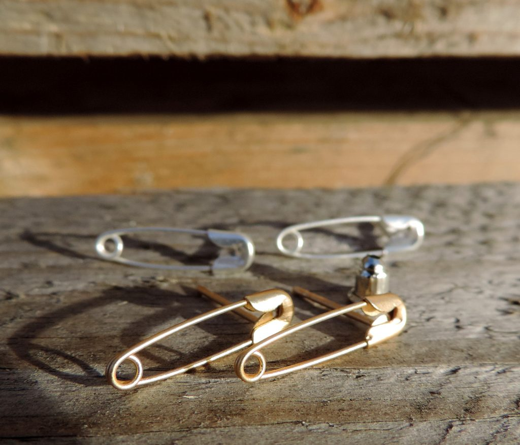 safety pin jewellery
