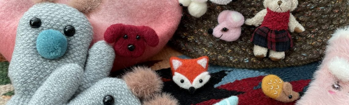 Felt in fashion…new brooches, gloves and friendly fuzzy feelings